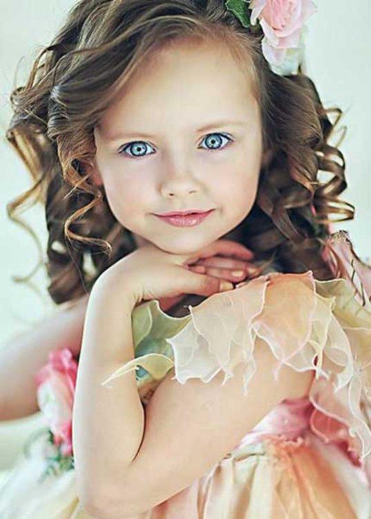 Modele-de-coiffure-pour-petite-fille.thumb.jpg.4fbb7d76f793e3c0c8b37f9eca40a055.jpg