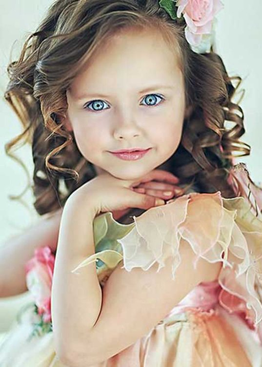 Modele-de-coiffure-pour-petite-fille.thumb.jpg.88c5128a5bc8d38424853a3deee61017.jpg